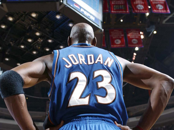 Jordans Daily History Lesson: Michael Jordan Announces His Second Return to the NBA