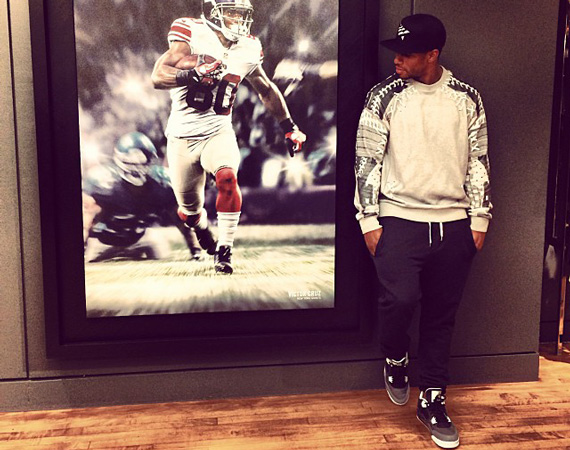 1c46cd9bdae84d There s no doubt that Victor Cruz has an affinity for the Jumpman – the  only real question is if he ll start to rock those new Air Jordan 12 Cleat  PEs that ...