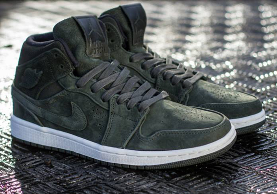 Air Jordan 1 Mid Nouveau: Sequoia
