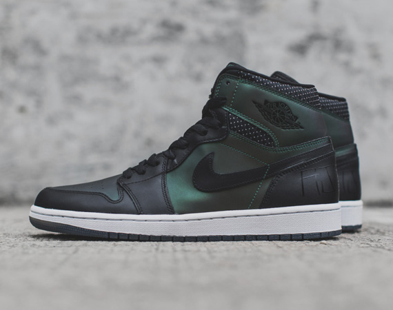 A Detailed Look at the Craig Stecyk Designed Nike SB x Air Jordan 1