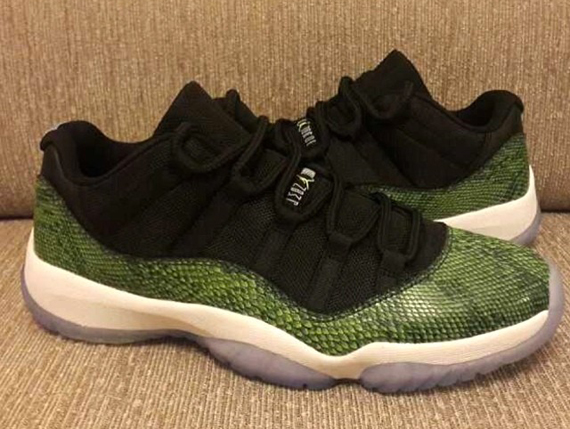 Air Jordan 11 Low Retro: Green Snake