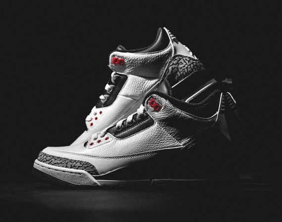 Air Jordan 3: Infrared 23   Release Reminder