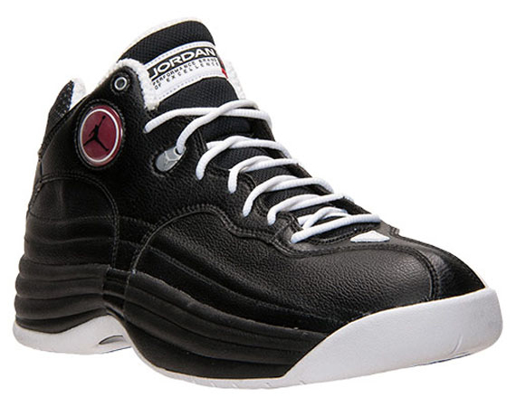 Jordan Jumpman Team 1: Black   White   Available