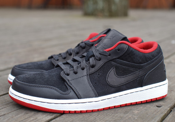 Air Jordan 1 Low Nouveau: Black   Gym Red