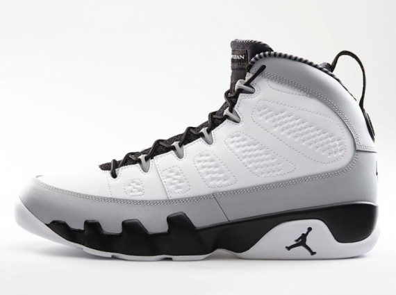 Air Jordan 9 Retro: Barons   Official Images