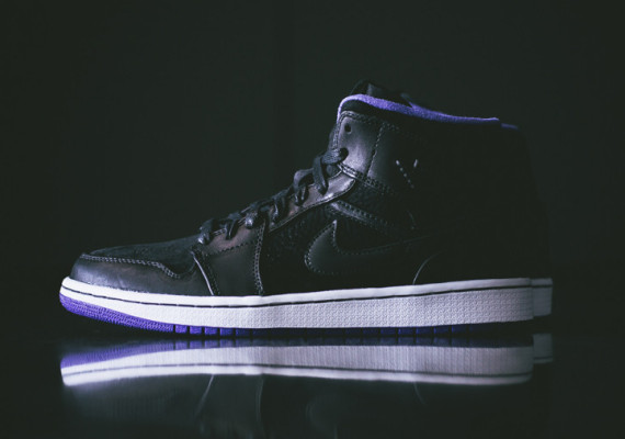 Dark Concord Air Jordan 1 Mid Nouveau   Now Available