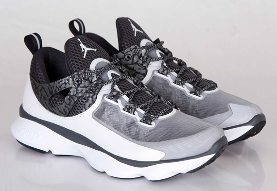 Jordan Flight Runner: White   Black   Metallic Silver