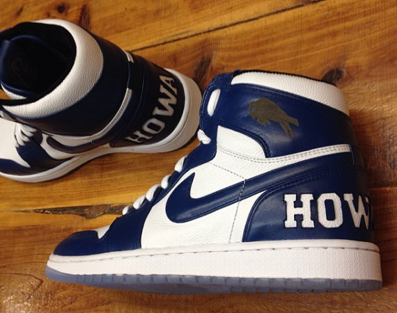 P. Diddy Showcases Air Jordan 1 Howard University Customs