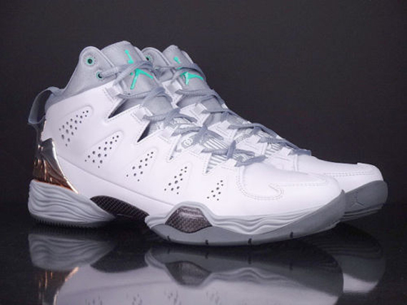 Jordan Melo M10: Green Glow   Available on eBay