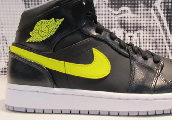 Air Jordan 1 Mid: Venom Green