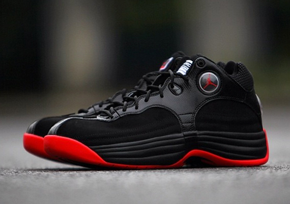 nike air jordan jumpman team 1 release