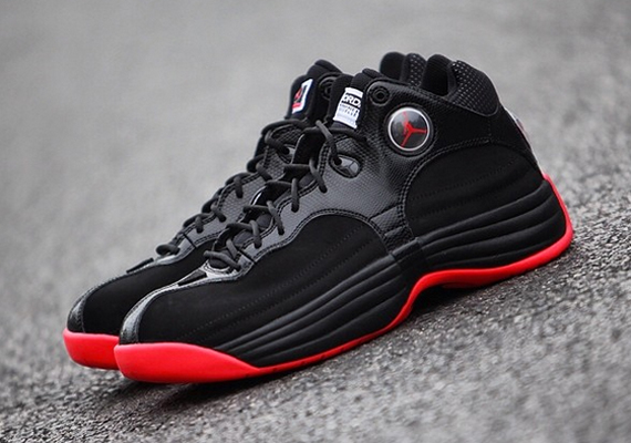 Jordan Jumpman Team 1: Black – Red