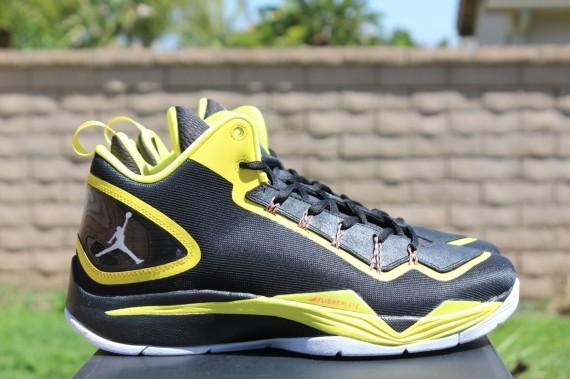 jordan superfly 2 black and yellow