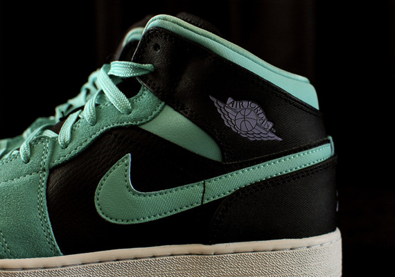 Air Jordan 1 Mid GS: Turquoise   Iron Purple   Black