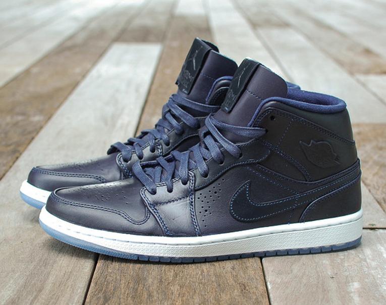 Nike Air Jordan 1 Retro Mi Nouveau Minuit Enquête De Glace Marine Nouveau HmOJyQw5l