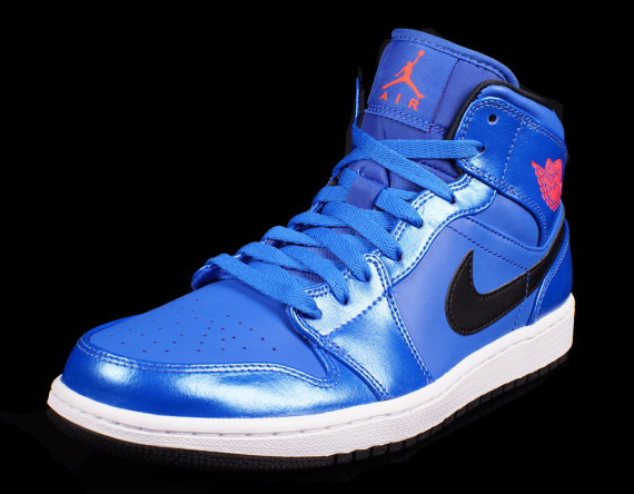 Air Jordan 1 Mid: Sport Blue   Available