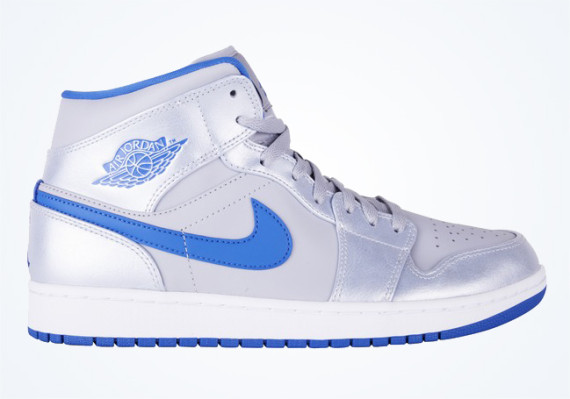 Air Jordan 1 Mid: Wolf Grey   Sport Blue   White