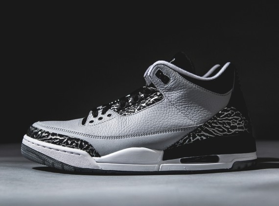 Air Jordan 3: Wolf Grey   Arriving at Retailers