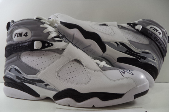 Michael Finleys Air Jordan 8 Spurs Autographed PE