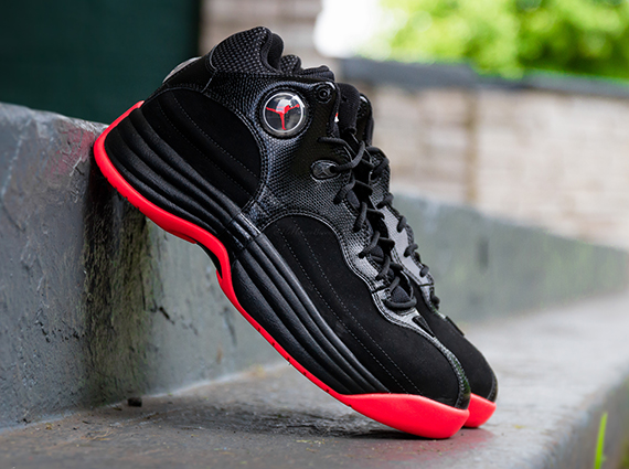 Jordan Jumpman Team 1: Black   Infrared 23