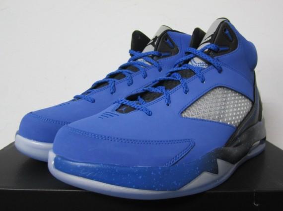 air jordan flight remix sport blue