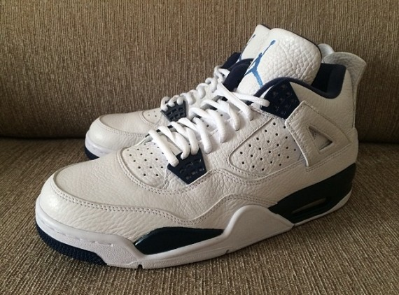 Air Jordan 4 Retro: Columbia