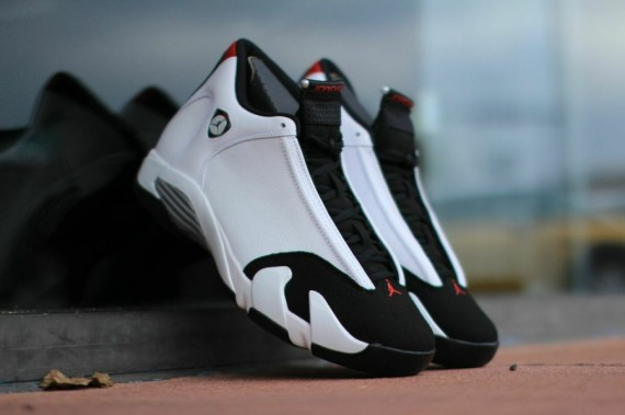 Air Jordan 14: Black Toe   Arriving at Retailers