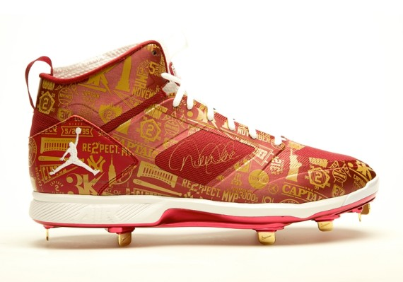 Derek Jeters Jordan Brand Farewell Cleats Up for Auction