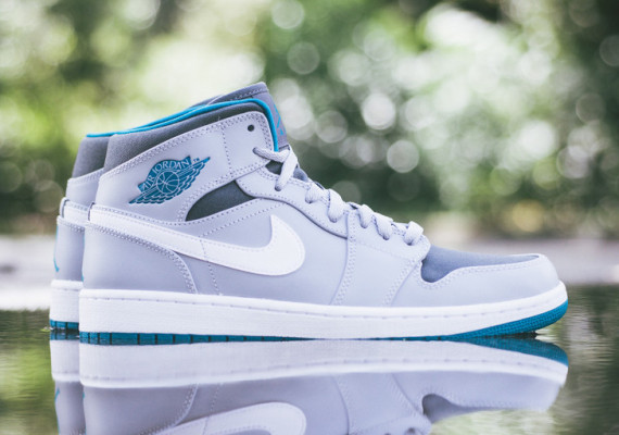 Air Jordan 1 Mid: Wolf Grey   Tropical Teal