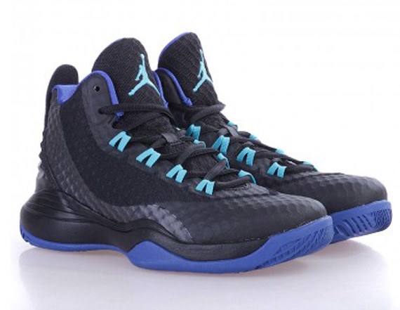 "4a9fe5c58ba24f The latest check-in with the Jordan Super.Fly 3 PO finds ""Hornets"" home and  away editions ready for the postseason"