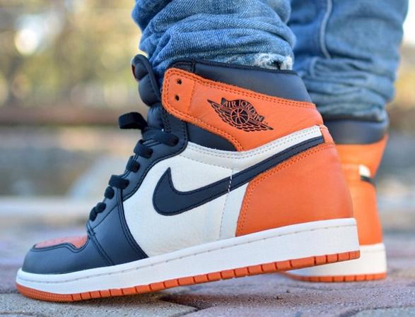 Air Jordan Retro 1 Blue Orange