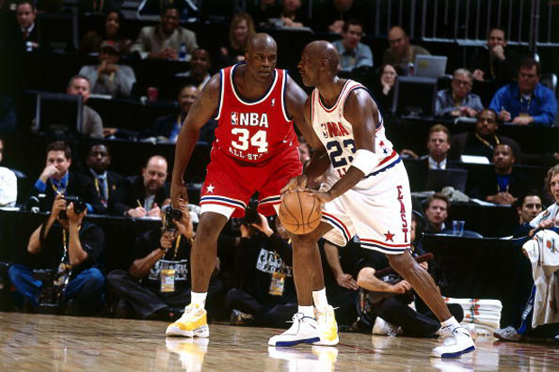 MJ drives around Shaq