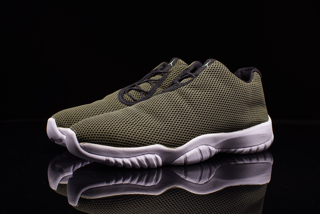 air jordan future low olive green