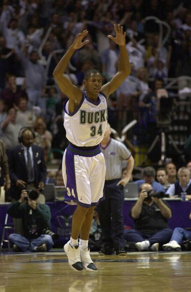 ray-allen-air-jordan-xvi-2001-bucks-sixers-1