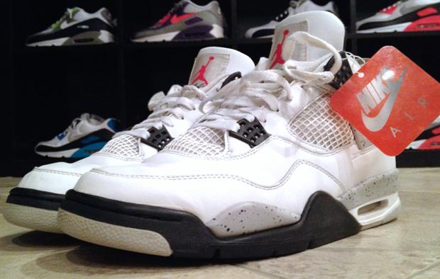 Air Jordan 4 maron