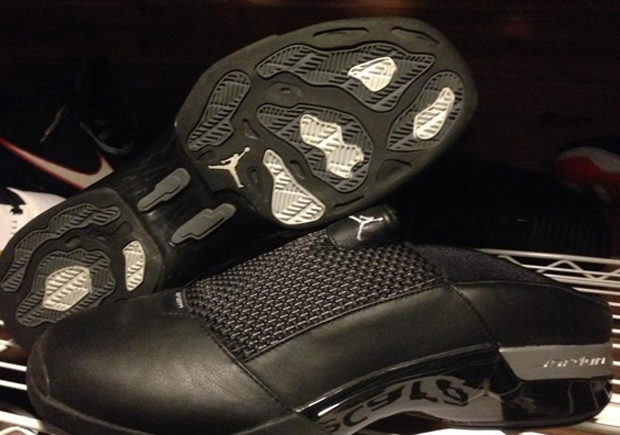 Very much the collector's item now, the Air Jordan XVII Mule hit the scene in 2002 as Jordan Brand's first shoe/clog/sandal. Though they didn't get the ...