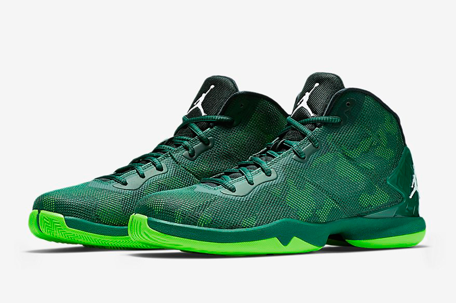 The Jordan Super.Fly 4 train keeps rolling with this green-on-green look  for Fall 2015. There aren't many, if any, forest green performance  basketball kicks ...