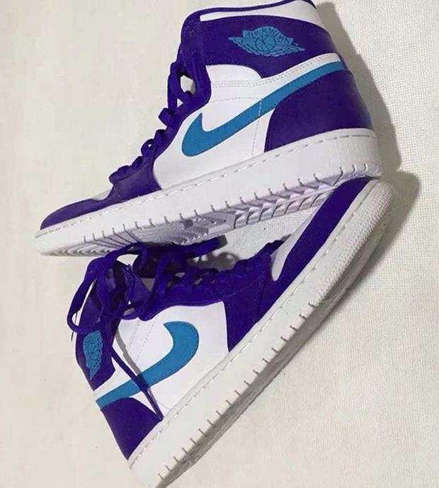 2e4d4051a11e44 Latest Look At Air Jordan 1