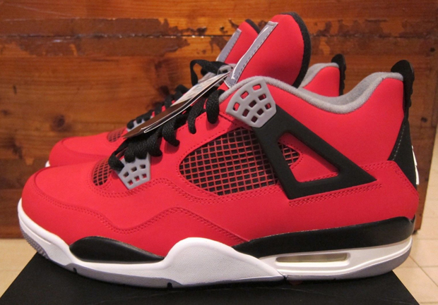 The Daily Jordan: Air Jordan 4
