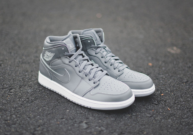 http://images.jordansdaily.com/wp-content/uploads/2015/11/air-jordan-1-mid-cool-grey-4.jpg
