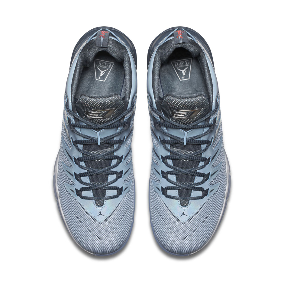 jordan-cp3.9-frozen-moments-3
