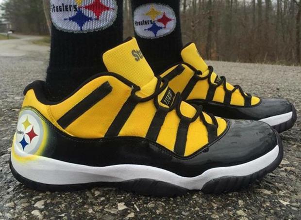 Air Jordan 11 Low Steelers 1