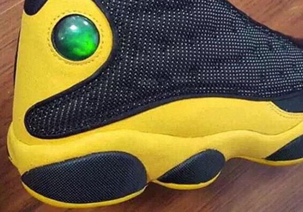 air-jordan-13-melo-sample-black-yellow-01