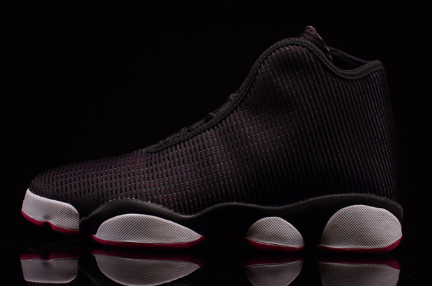22c4819ae9f2a2 The Jordan Horizon continues its life into 2016 with not one but two  options for grade school-sized feet. The first features a black slotted  upper with hits ...