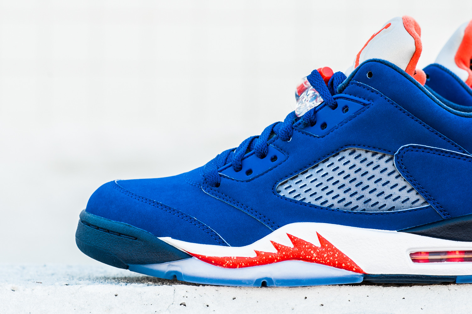 Air jordan 5 low knicks releases on an historic mj for Jardin 5