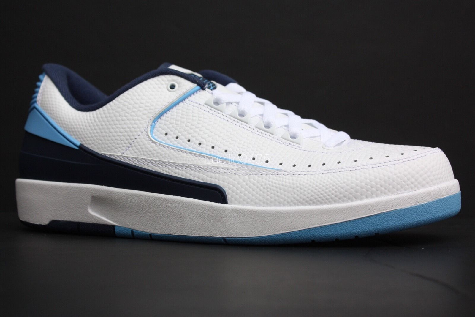 air-jordan-2-low-blue-4