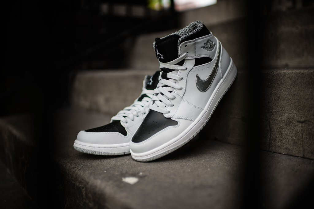reputable site f3188 86f6f ebay nike air jordan 1 mid aj1 white pure platinum men shoes sneakers 554724  104 a7d0d 11ab8  discount new air jordans 1 469d9 27152
