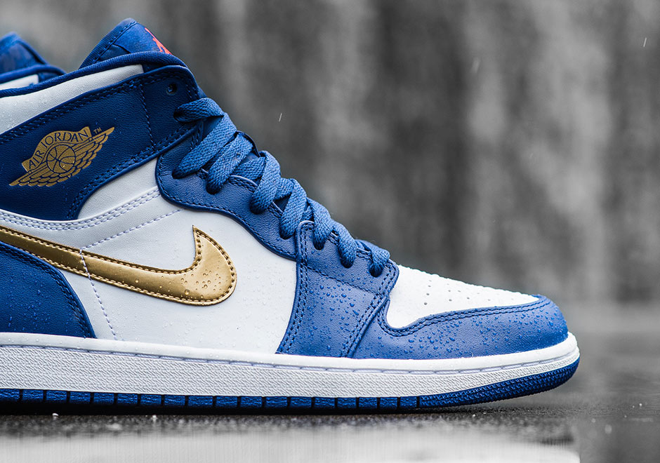 off white and gold jordan 1s