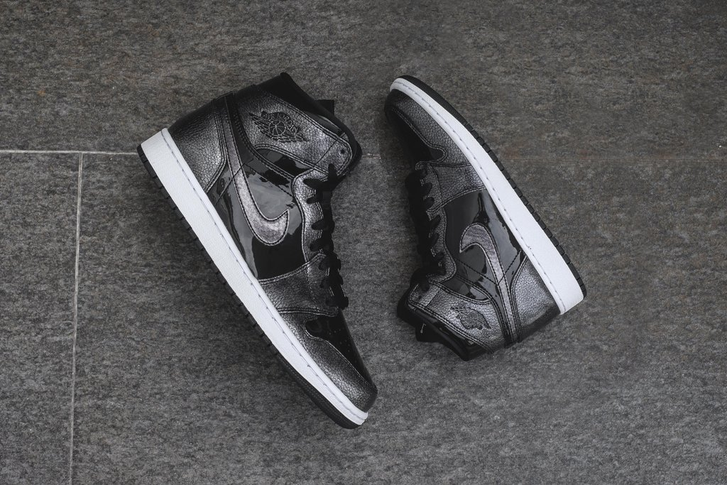 46ebc496ab3 Now that Thanksgiving is in the books, we pivot to Christmas and the annual  blockbuster drops from Jordan Brand. Space Jam is the theme this year, ...