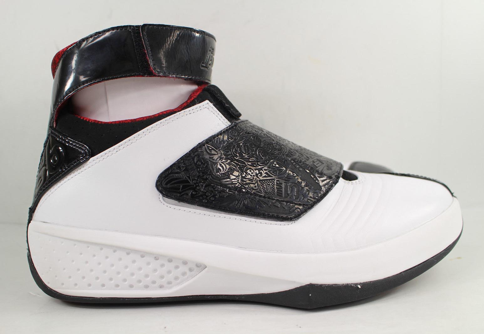 Peep these Quickstrikes and more original AJ20s from 2005 now on eBay. 6adc279f64